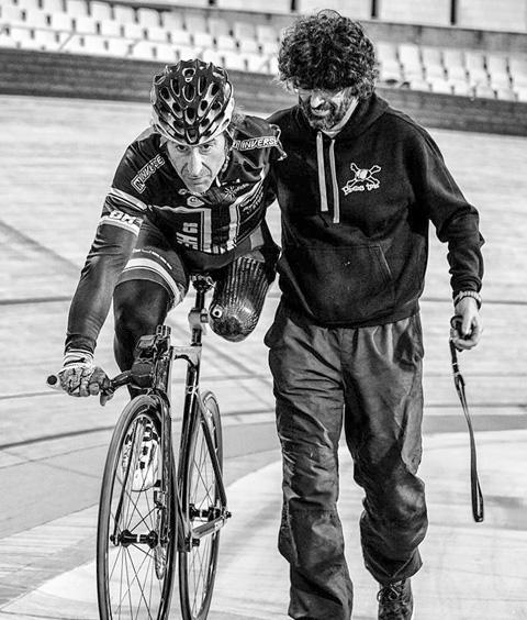 juanjo-mendez-genesis-cycling-team-paraciclismo